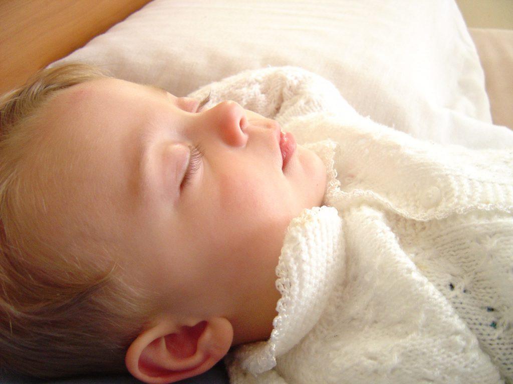 5 Aylık Bebek Gelişimi: Fiziksel, Duygusal ve Duyusal Gelişim
