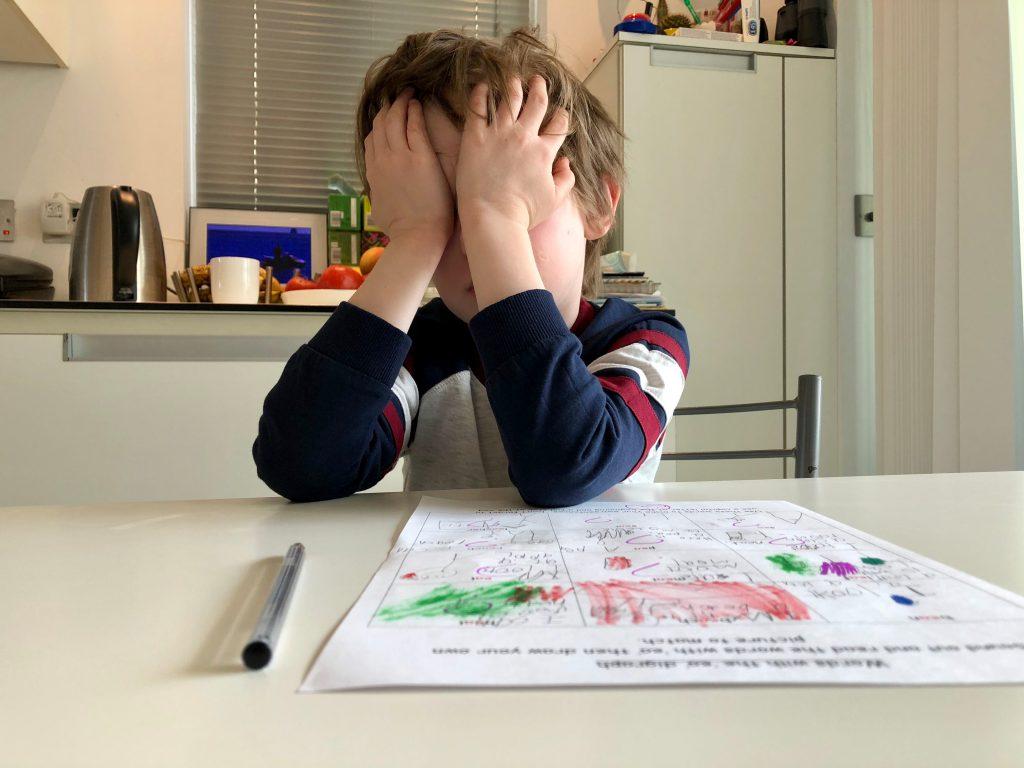 5 Yaş Sendromu Nedir? Nasıl Başa Çıkılır?