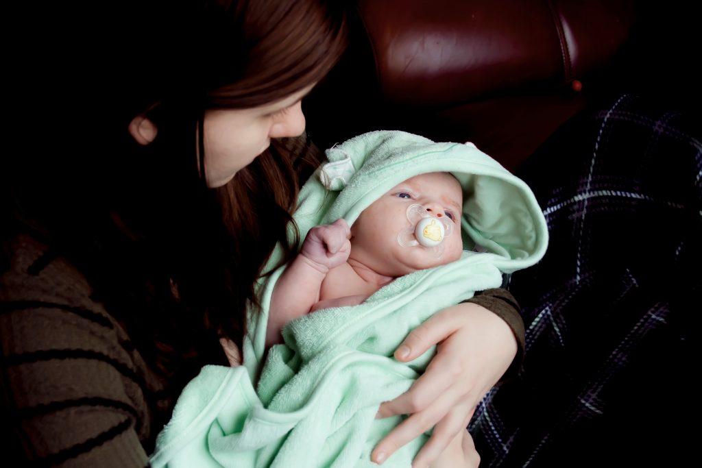7 Aylık Bebek Gelişimi: Fiziksel, Duygusal ve Duyusal Gelişim