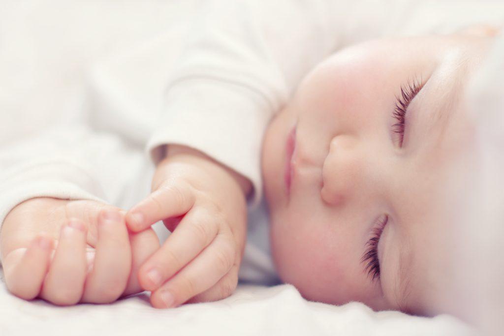 Ay Ay Bebeklerde Uyku Düzeni