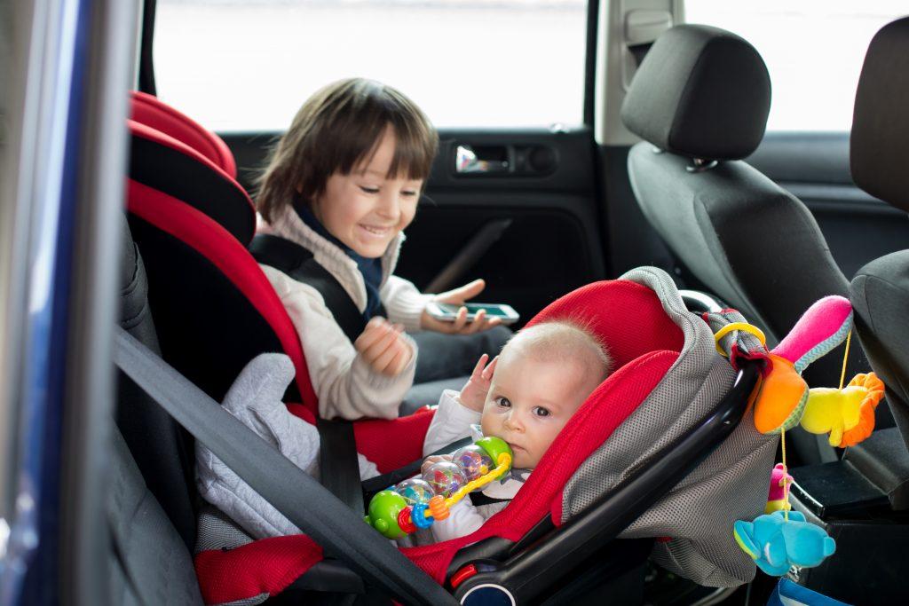 Bebek Oto Koltuğu Tavsiye: Oto Koltuk Nasıl Seçilir?