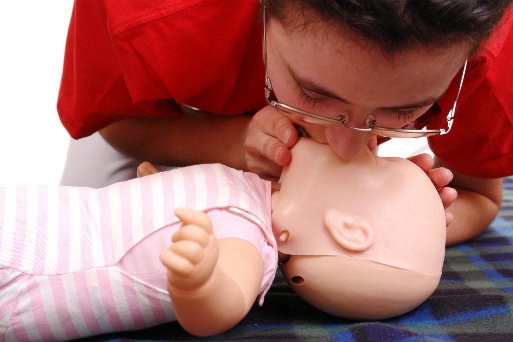 Bebeklerde İlk Yardım Nasıl Yapılır?