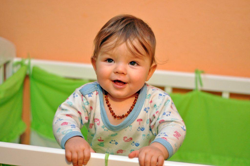 Bebeklerde Kehribar Kolye Ne İşe Yarar?