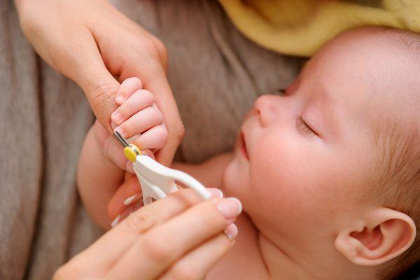 Bebeklerde Tırnak Bakımı