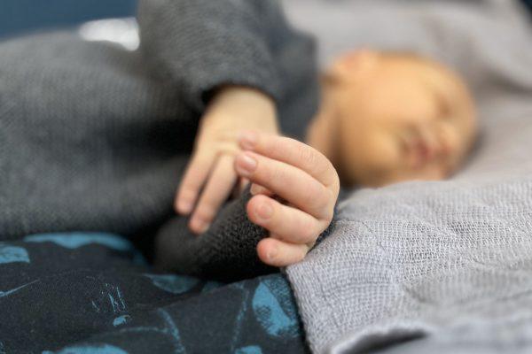 Çocuğun Tırnak Yeme Alışkanlığı Nasıl Bırakılır?
