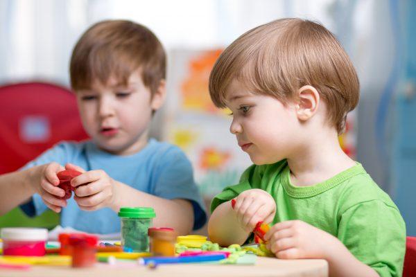 Çocuklarınızın Evde Sıkılmadan Oynayacağı Eğitici Oyunlar