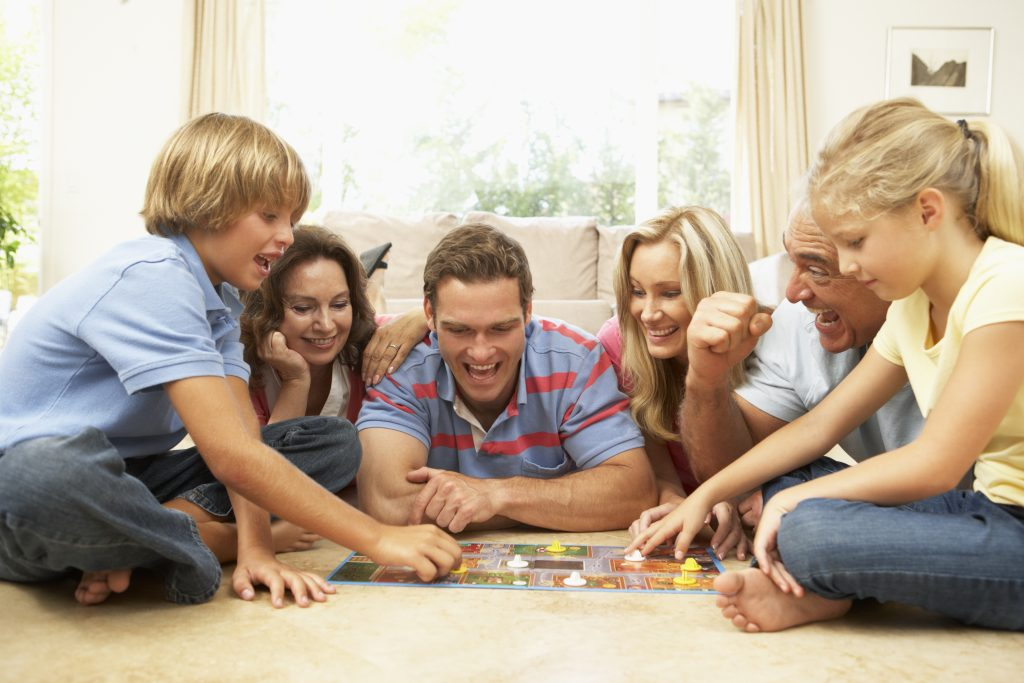 Evde Oynanabilecek En Eğitici 6 Yaş Oyunları