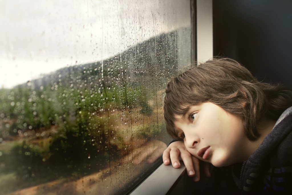 Psikolojisi Bozuk Çocuğun Belirtileri Ve Yapılması Gerekenler