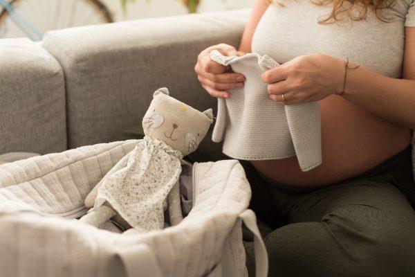 Yenidoğan Bebekler Ne Giymeli?